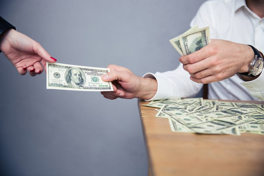 In An Unforeseen Financial Mess? Consider Online Cash Loans!
