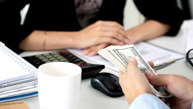 Quick Look At Pros And Cons Of Online Installment Loans!